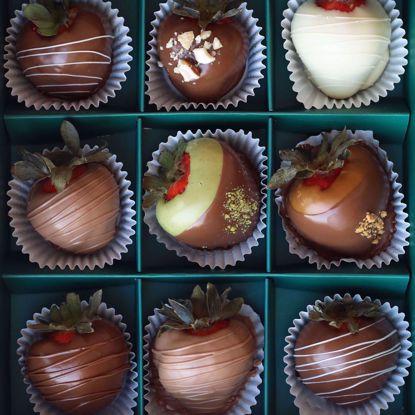 Picture of Strawberries chocolate coated 9 pcs
